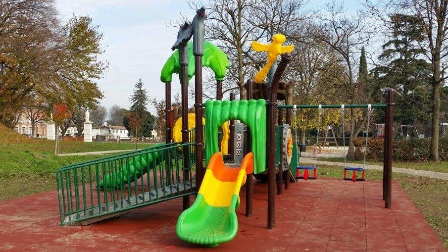 Nuovo parco giochi inclusivo a Codogné