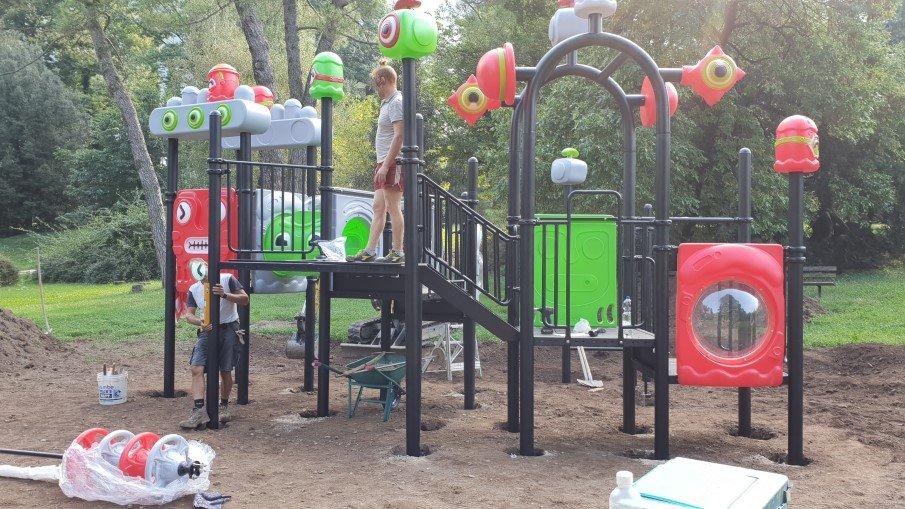 Work in progress dei parchi gioco a Pisogne